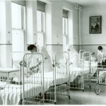 Salle de pédiatrie à l'Hôtel-Dieu.  Source : Augustines