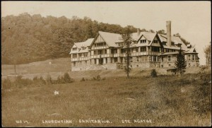 Sanatorium de Sainte-Agathe (entre 1908 et 1915).  Carte postale. Photo : BAnQ