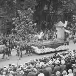 Défilé en 1925