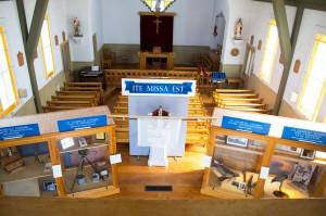 Exposition dans la chapelle (détail). Photo : page Facebook du projet